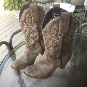 Very Volatile L.A. - Woman's western boots, Size 8